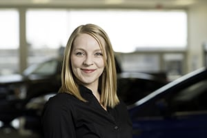 Kerra Edwards : Sales and Leasing – Lincoln Specialist